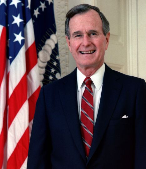 1024px-George_H._W._Bush,_President_of_the_United_States,_1989_official_portrait