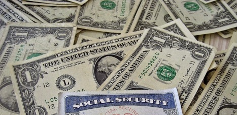 Social_Security_Card_and_Money_slideshow-2.jpg