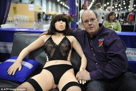 07CF2578000005DC-3668305-Sex_with_robots_could_soon_replace_human_intimate_relationships_-a-1_1467302280350.jpg