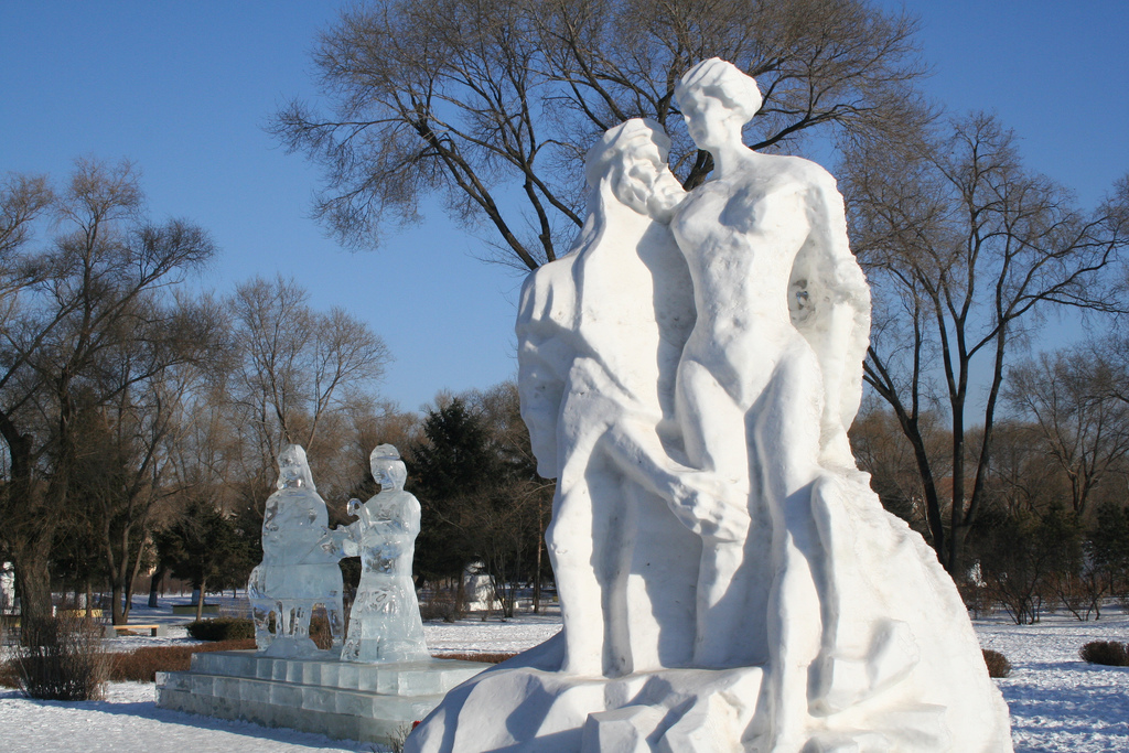 Harbin-Ice-and-Snow-World-32-snow-people-Harry-Alverson